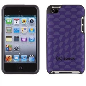 iPod Touch 4G Fitted Hard Case with Purple Fabric